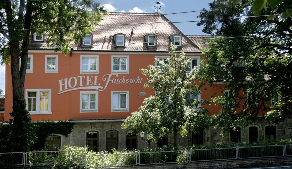 Hotel fischzucht randersacker book your hotel with for Hotels in wuerzburg