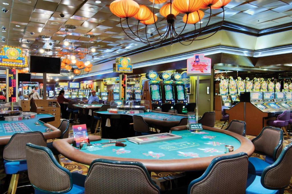 Homepage fremont hotel casino las vegas treasure island jackpots casino free spins