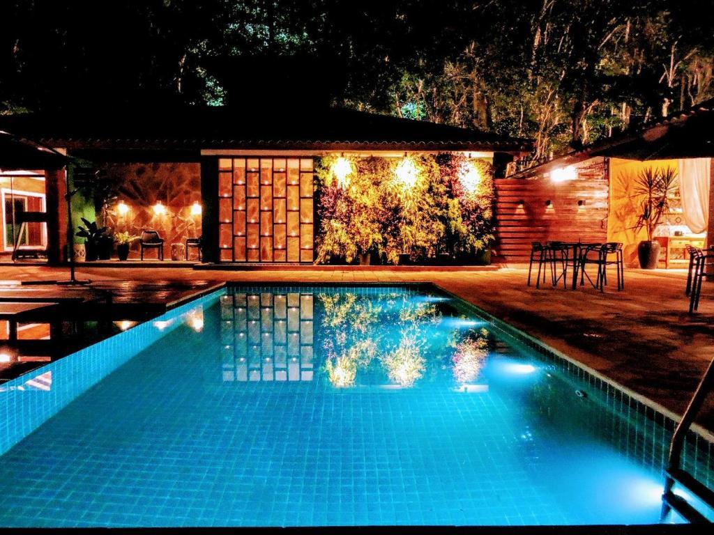 A piscina localizada em Pousada Santa Thereza ou nos arredores
