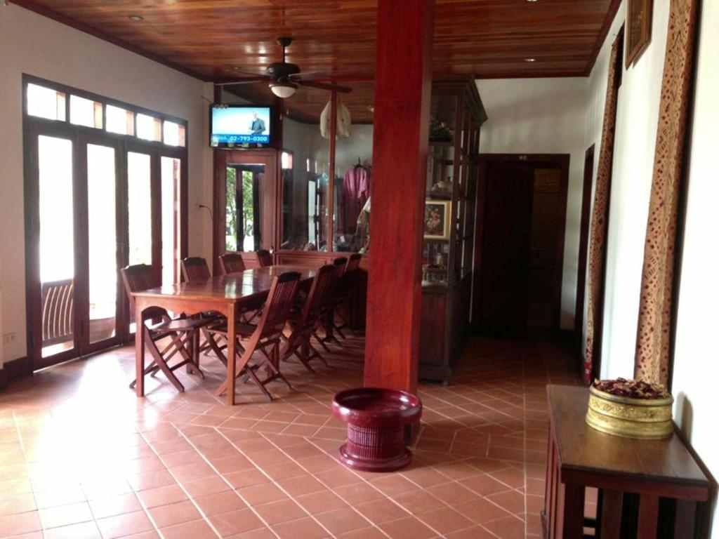 Pangkham Lodge Louangphrabang Book Your Hotel With