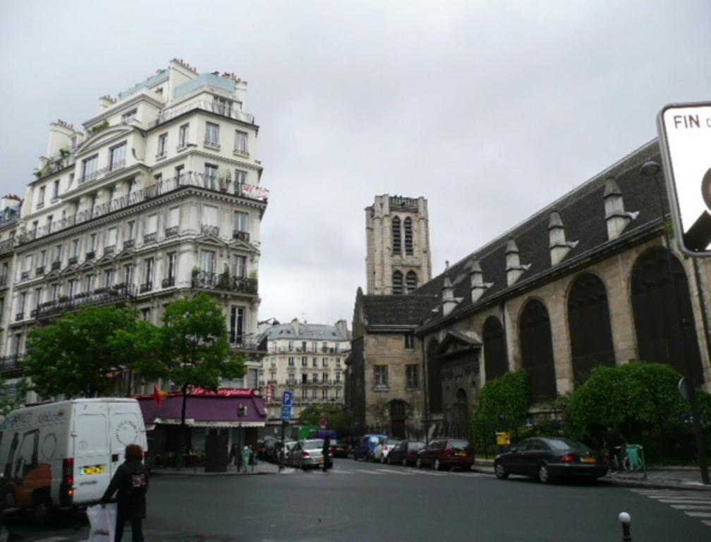 Appartement apart of paris le marais rue au maire for Appart hotel paris location au mois