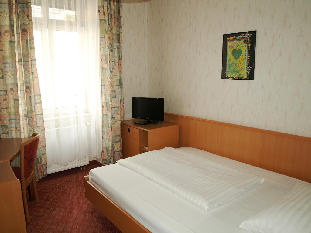 Hotel admiral wenen viamichelin informatie en online for Design hotel 1070 wien