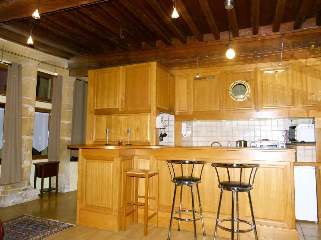 appartement vieux lyon cour renaissance locations de vacances lyon. Black Bedroom Furniture Sets. Home Design Ideas