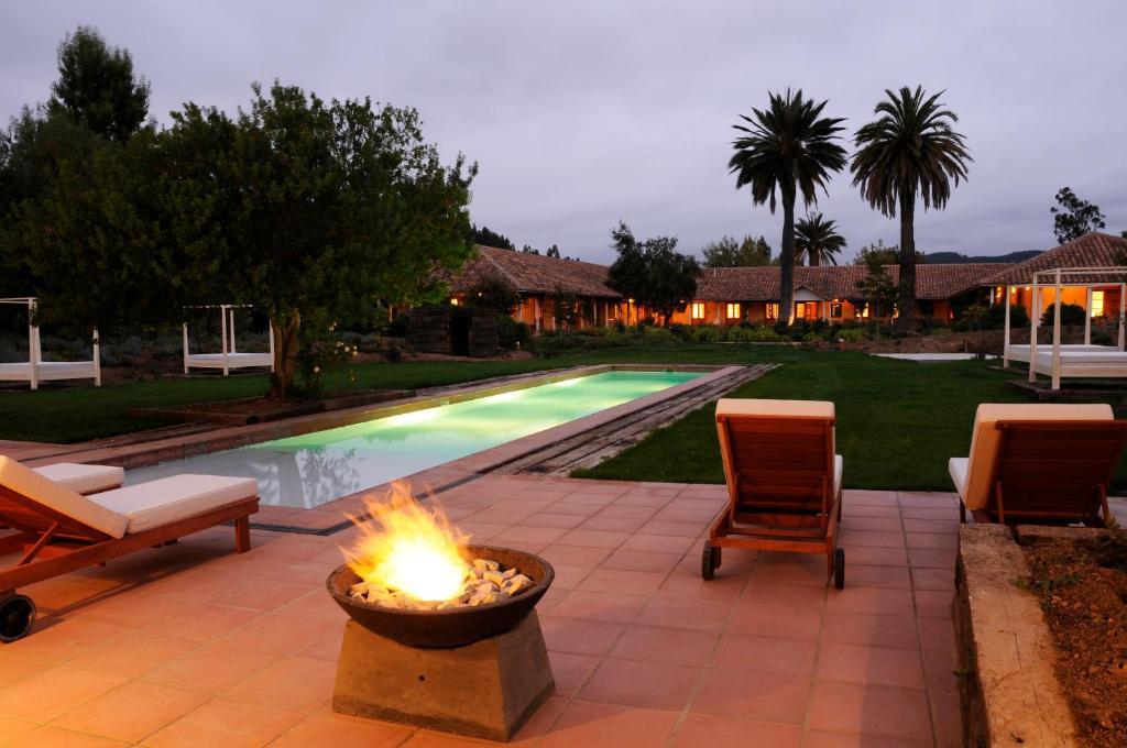 A piscina localizada em La Casona At Matetic Vineyards ou nos arredores