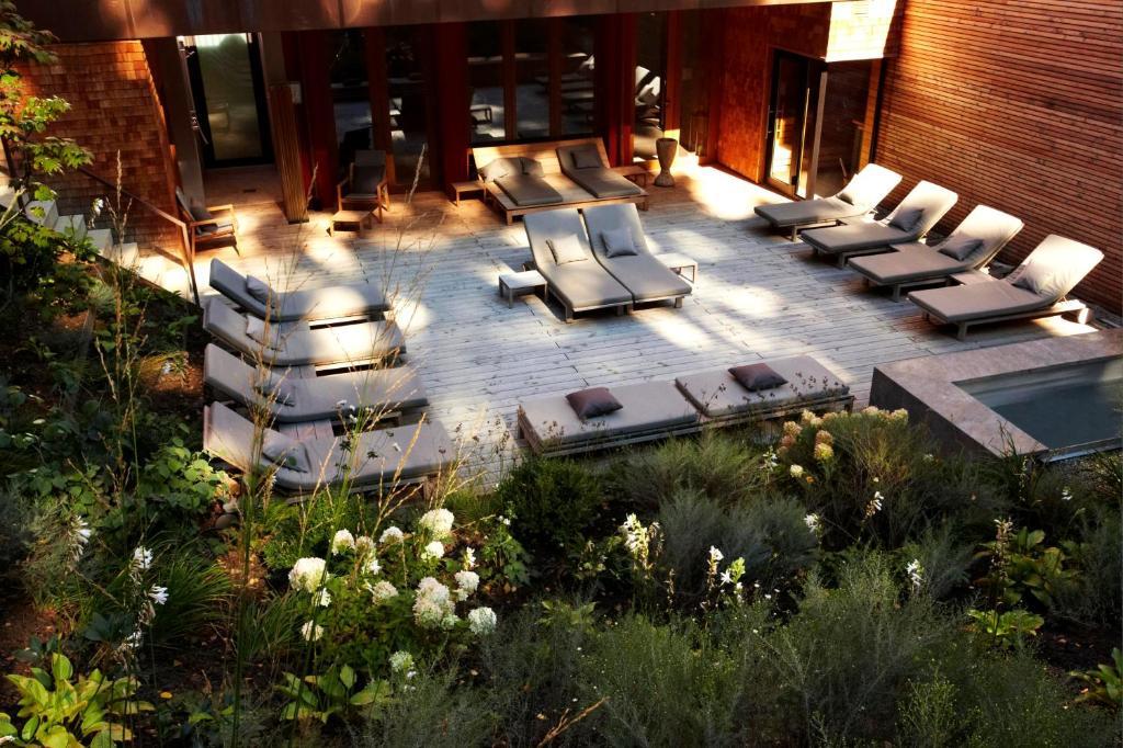 waldhotel stuttgart stuttgart book your hotel with viamichelin. Black Bedroom Furniture Sets. Home Design Ideas