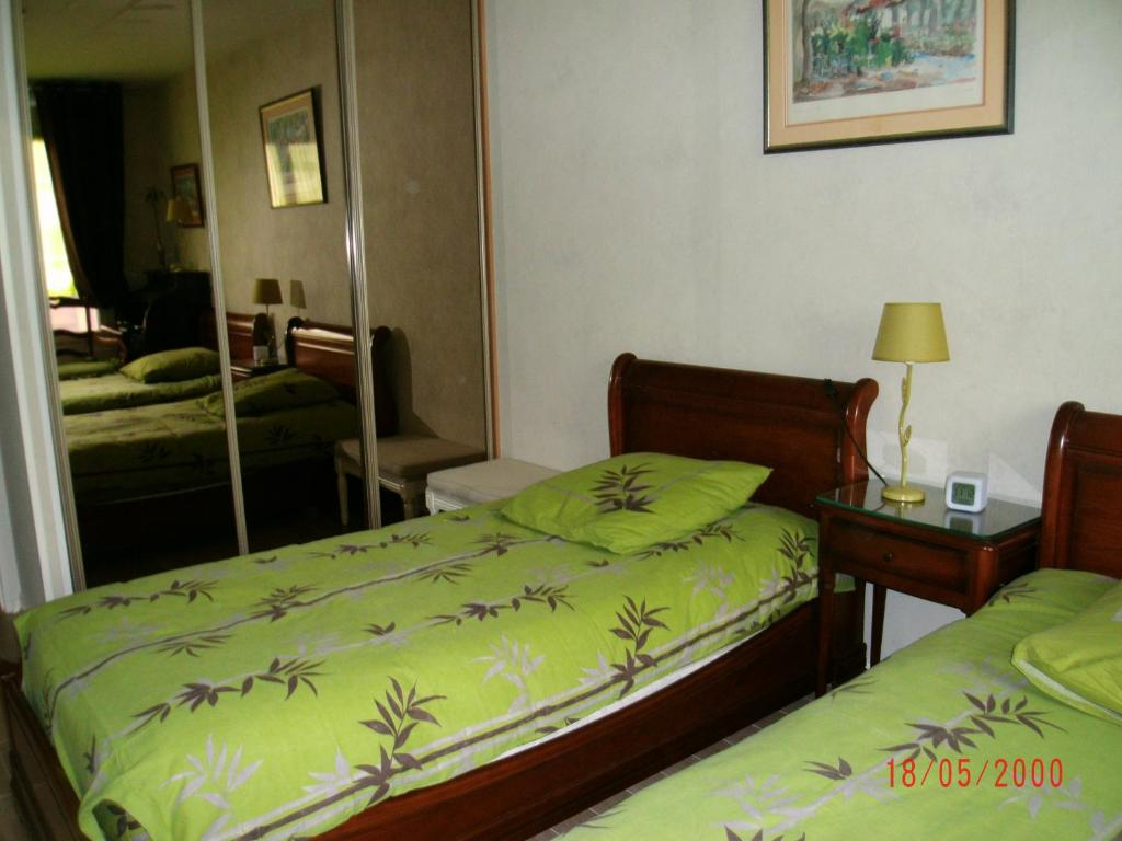 Chambre d 39 h tes garibaldi lyons book your hotel with for Chambre d hote lyon