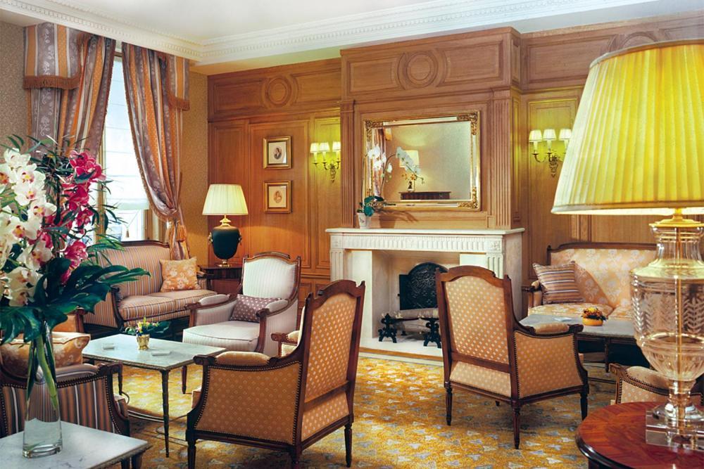 h tel mayfair paris paris informationen und buchungen. Black Bedroom Furniture Sets. Home Design Ideas