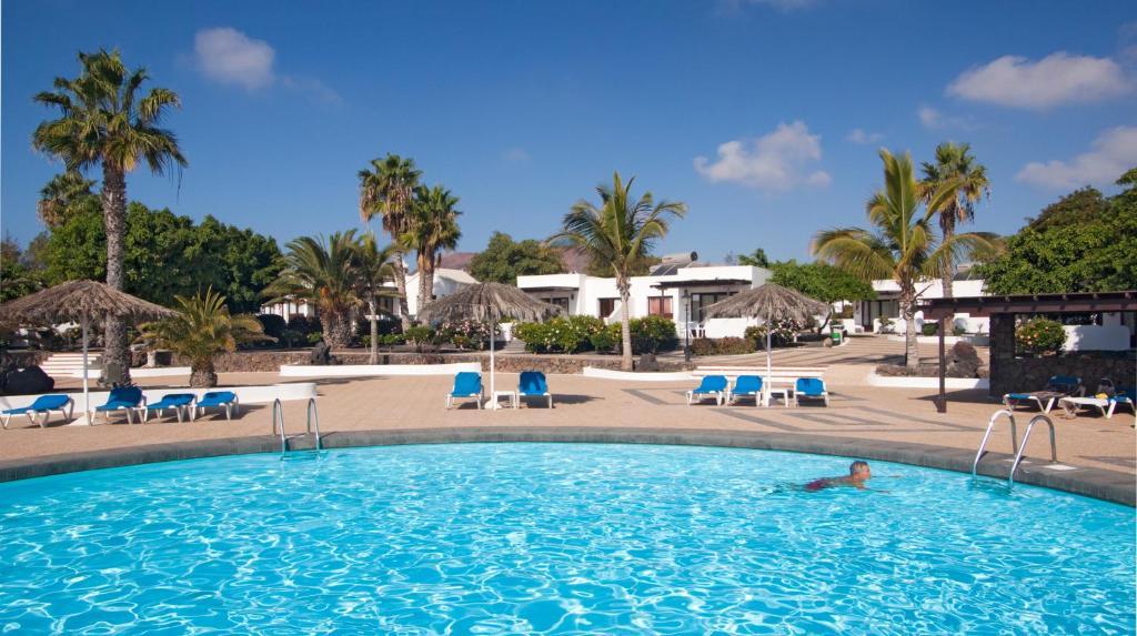 Bungalows Playa Limones Reservar ahora. Galería de imágenes de este alojamiento ...