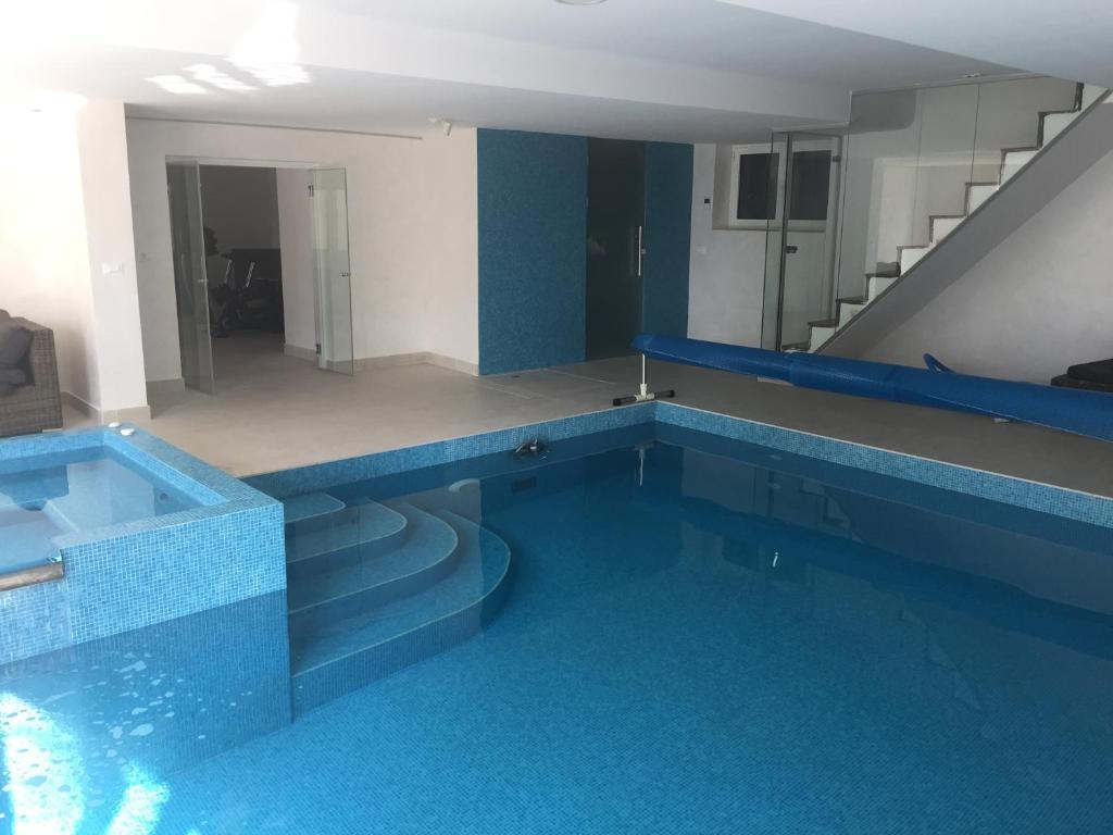 Luxury House With Indoor Pool Near Belgrade Belgrade View Deal Guest Reviews