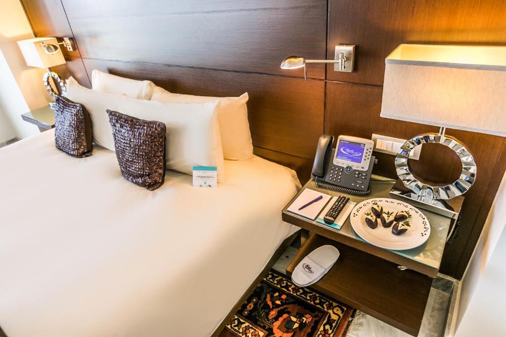 Resort Mundo Imperial (México Acapulco) - Booking.com