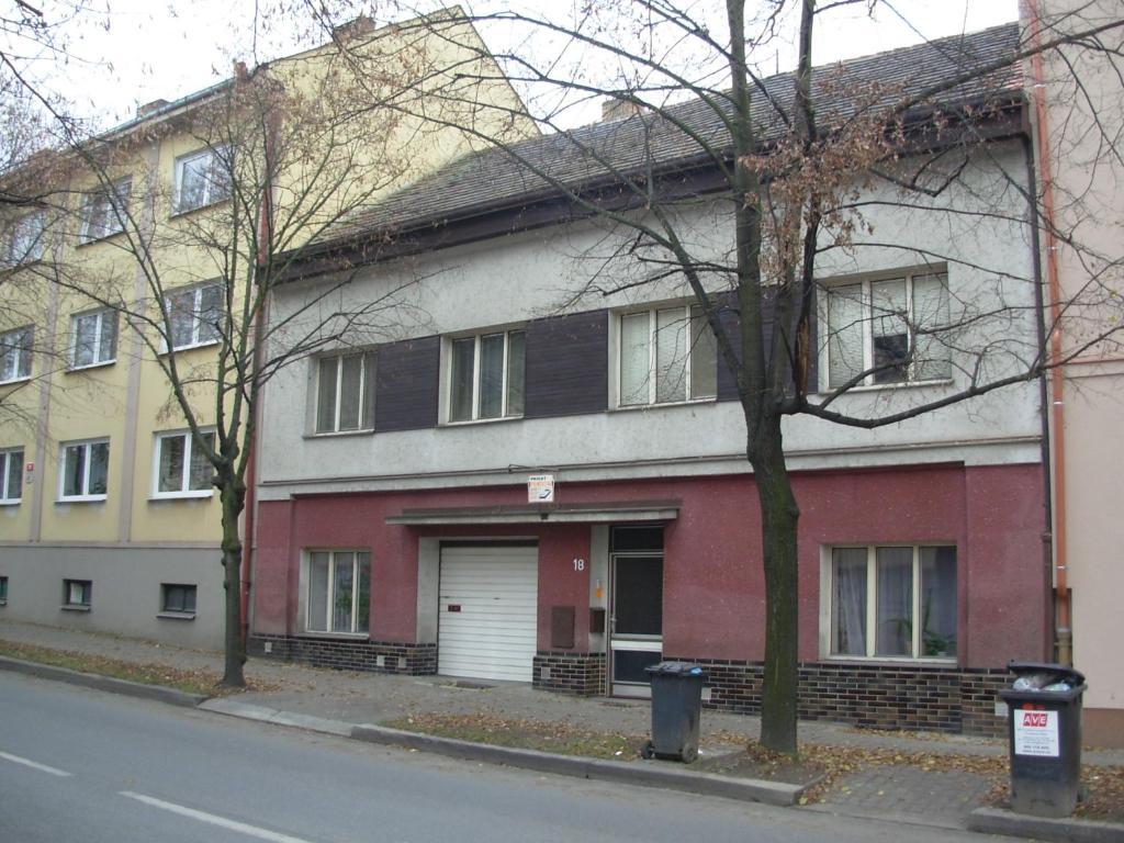 Penzion hlinkova plze prenotazione on line viamichelin for Costo aggiuntivo garage