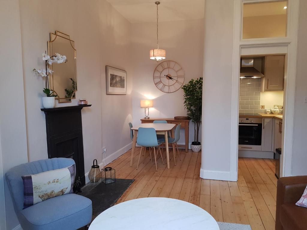 154675156 - Stockbridge Edinburgh Apartment