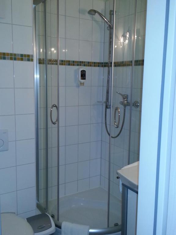 hotel aviva karlsruhe book your hotel with viamichelin. Black Bedroom Furniture Sets. Home Design Ideas