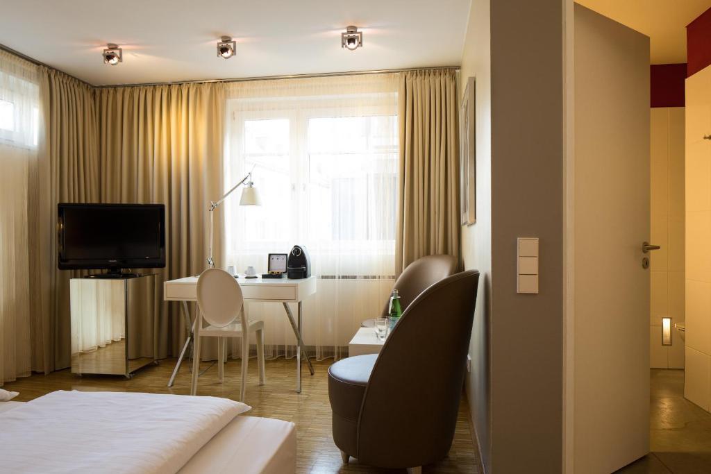 hotel santo k ln informationen und buchungen online viamichelin. Black Bedroom Furniture Sets. Home Design Ideas