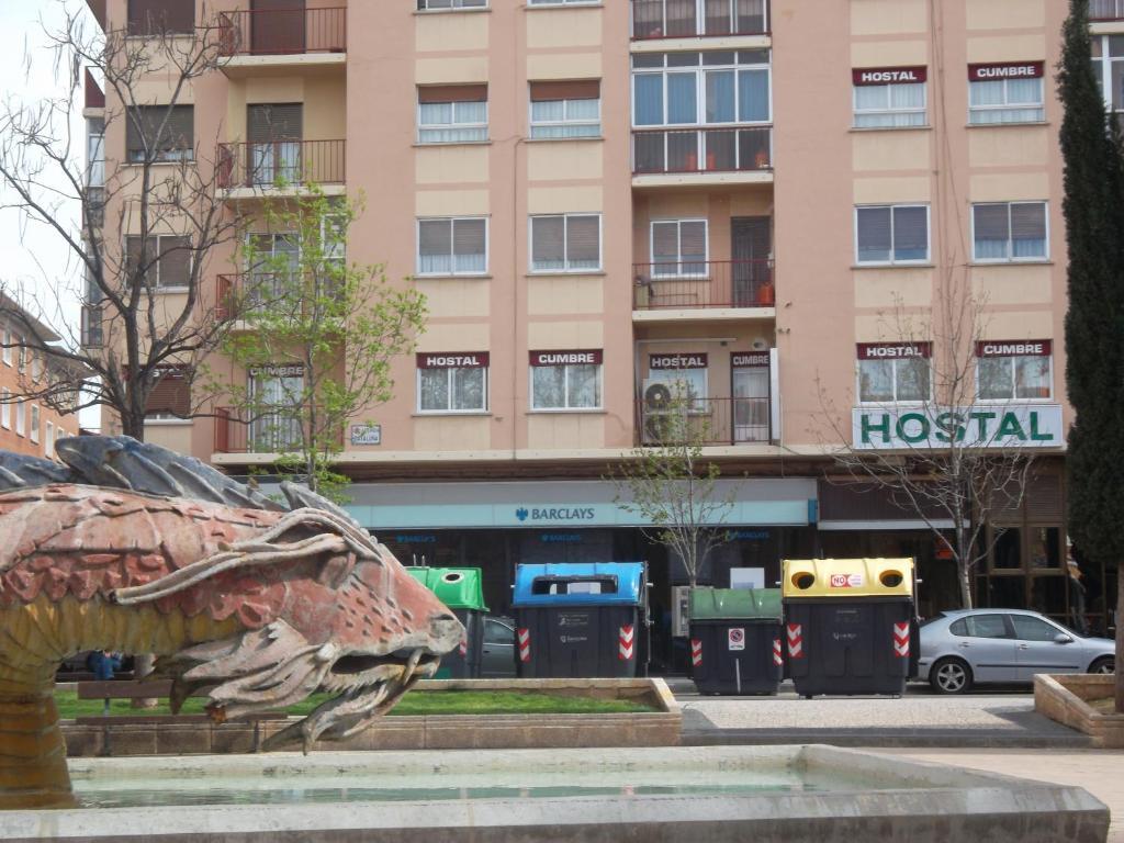 Hostal cumbre saragossa informationen und buchungen for Hostal zaragoza