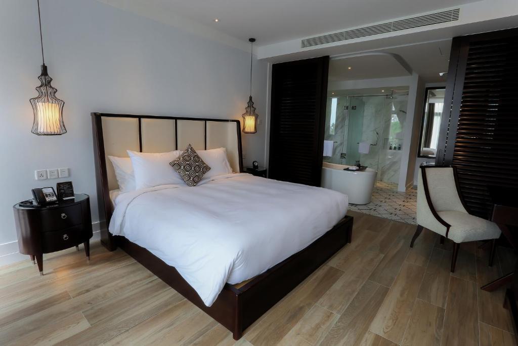 Phòng Suite Junior Giường Đơn Với Gói Chơi Golf