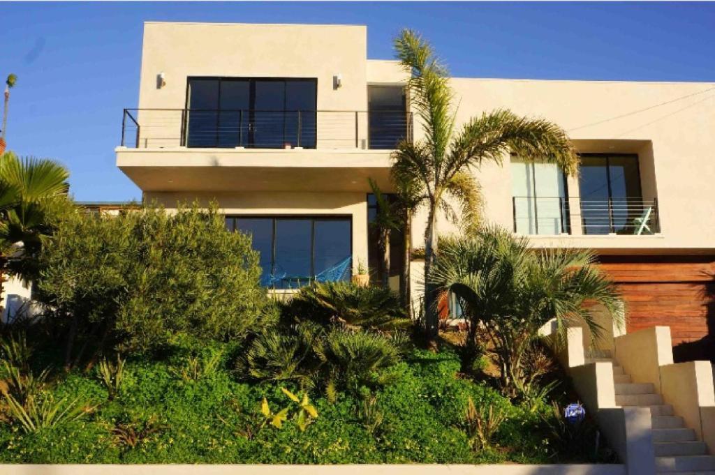 design house at sunset cliffs san diego usa. Black Bedroom Furniture Sets. Home Design Ideas