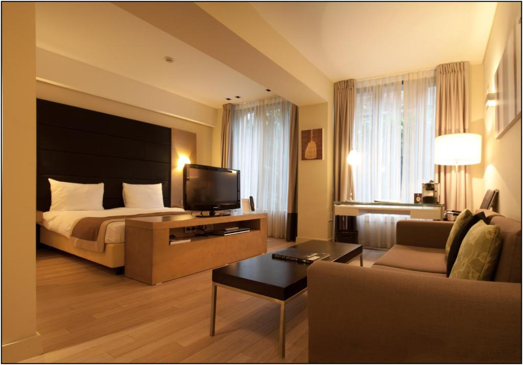 b aparthotel grand place bruxelles. Black Bedroom Furniture Sets. Home Design Ideas