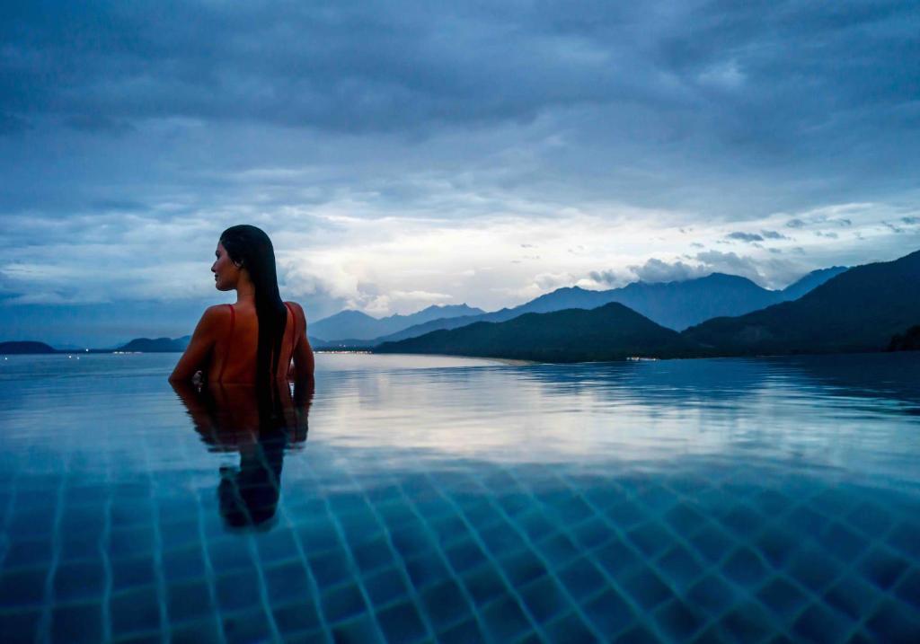 Biệt thự Hillside Pool 3 Phòng ngủ Nhìn ra Đại dương