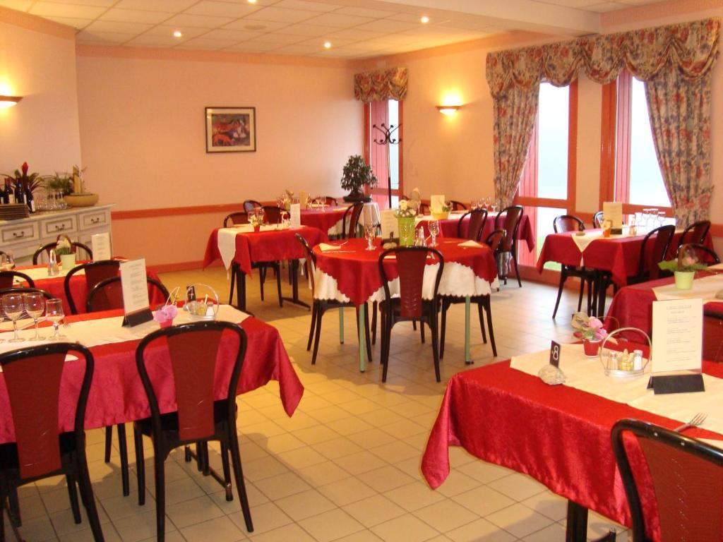 Hotel Le Bretagne Louvign U00e9 De Bais