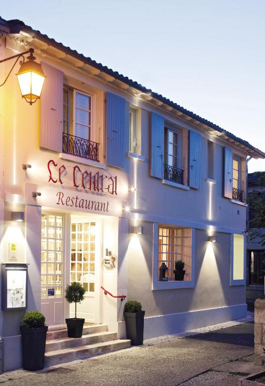 Le central frontenay rohan rohan online booking for Central de reservation hotel