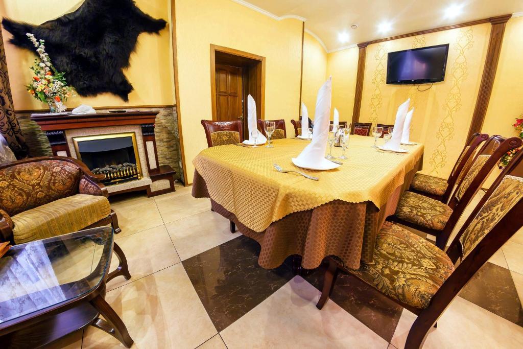 Aurora hotel offers economy single room,standard double room,standard double room with two double beds