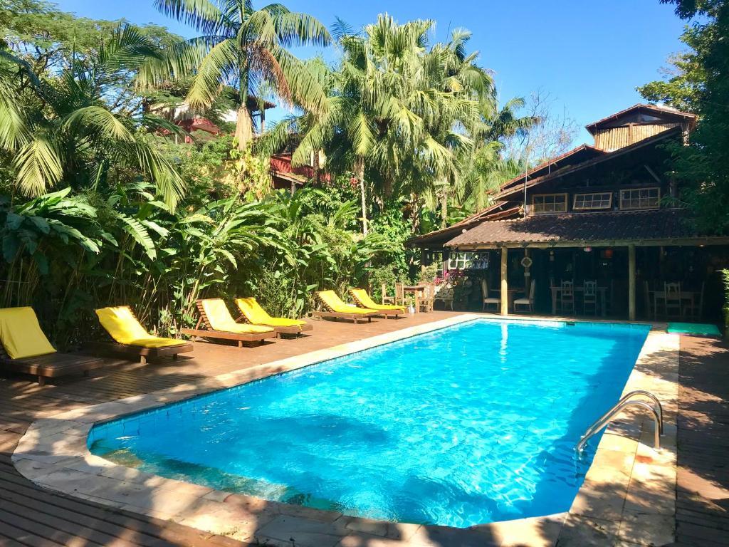 A piscina localizada em Hotel Pousada Katmandu ou nos arredores