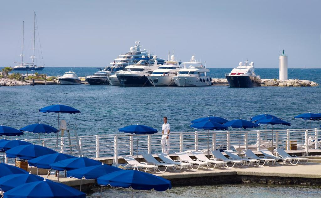 H tel belles rives antibes book your hotel with for Hotels juan les pins