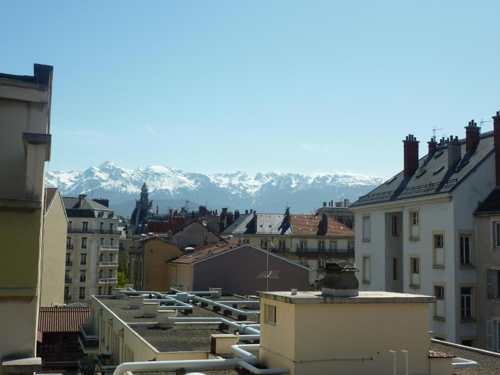 H tel gloria grenoble book your hotel with viamichelin for Hotels grenoble