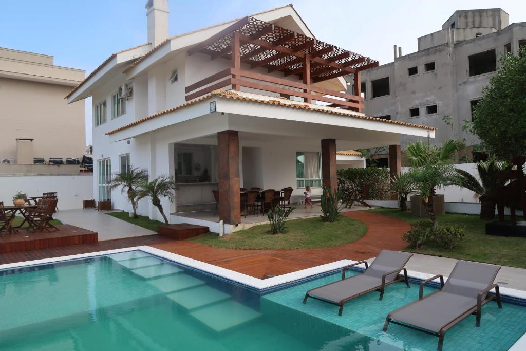 Casa de temporada casa alto padr o com piscina na praia de for Piscina in casa