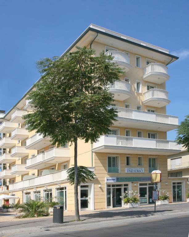 Hotel residence t2 riccione prenotazione on line viamichelin - Bagno paradiso tirrenia ...
