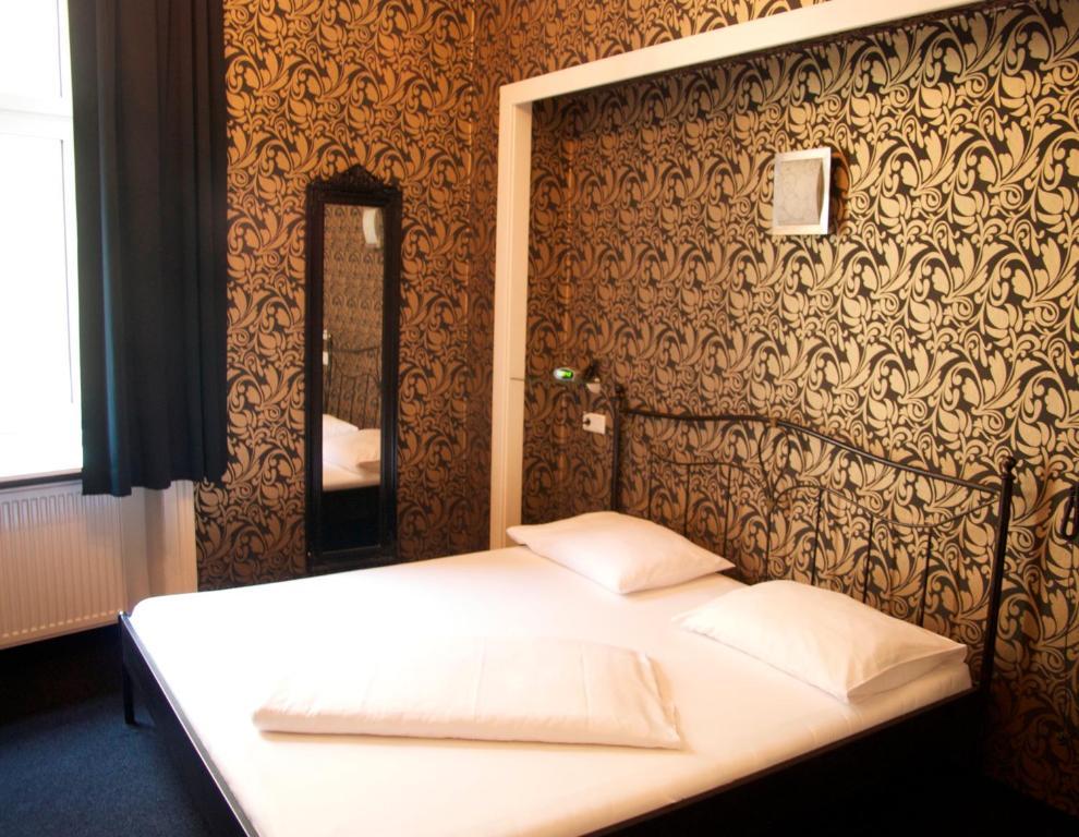 hotel goldene spinne wien informationen und buchungen online viamichelin. Black Bedroom Furniture Sets. Home Design Ideas