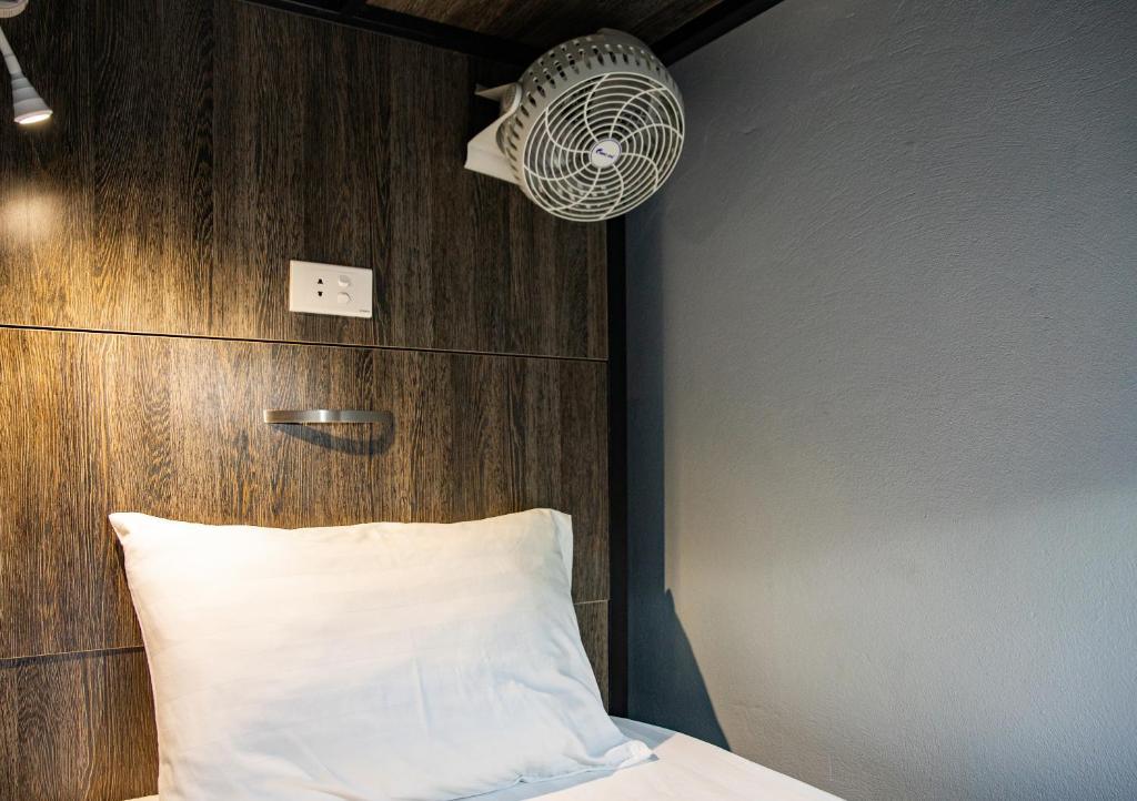 Giường trong Phòng ngủ tập thể Nữ 4 Người