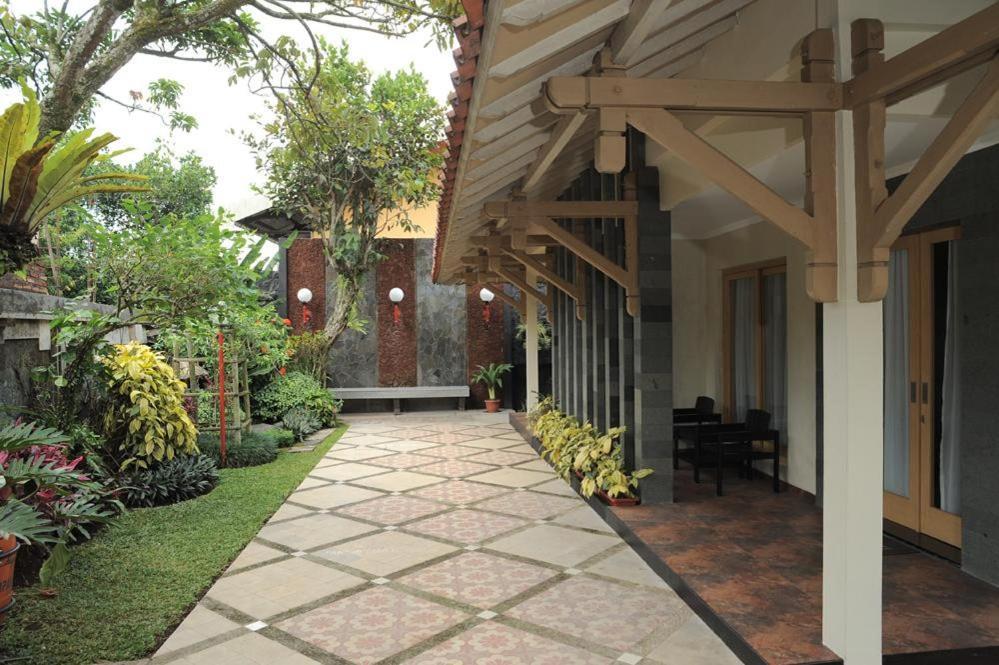 Nugraha Wisata Convention Hotel Bandungan Ver Oferta