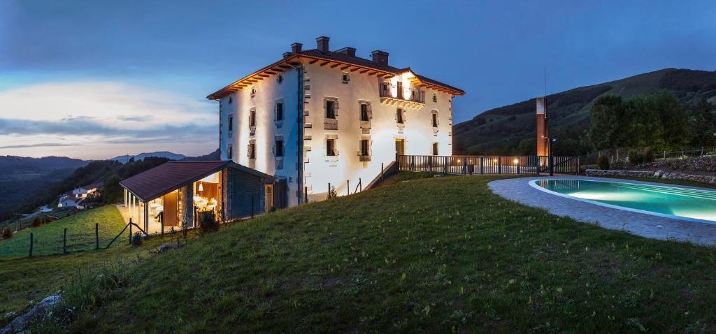 Hotel Palacio (Espanha Igantzi) - Booking.com