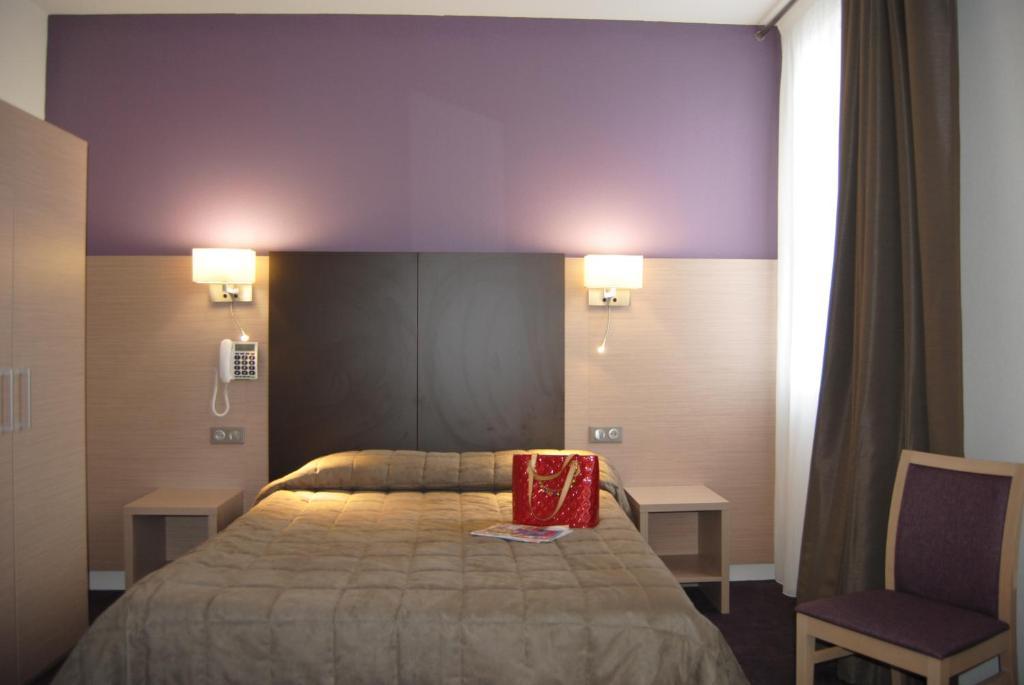 Hotel Continental Lourdes Booking