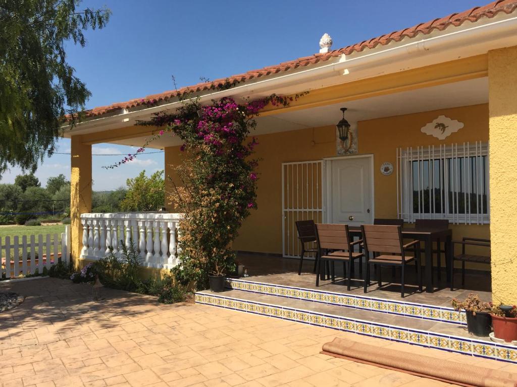 Hotel Casa Azahar (España Benaguacil) - Booking.com