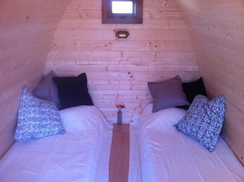 le domaine des tuileries roulotte salins en seine et marne 77. Black Bedroom Furniture Sets. Home Design Ideas