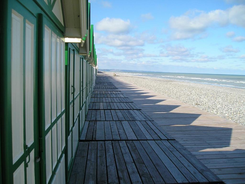 Madame vacances les terrasses de la plage saint valery for Garage cayeux sur mer