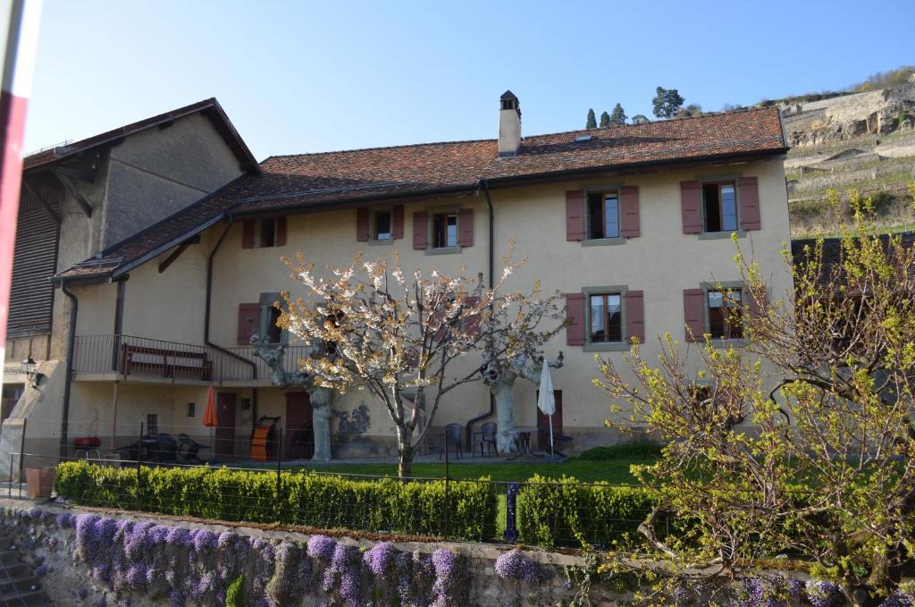 Chambres d 39 h tes domaine du burignon chambres d 39 h tes for Chambre d hote suisse