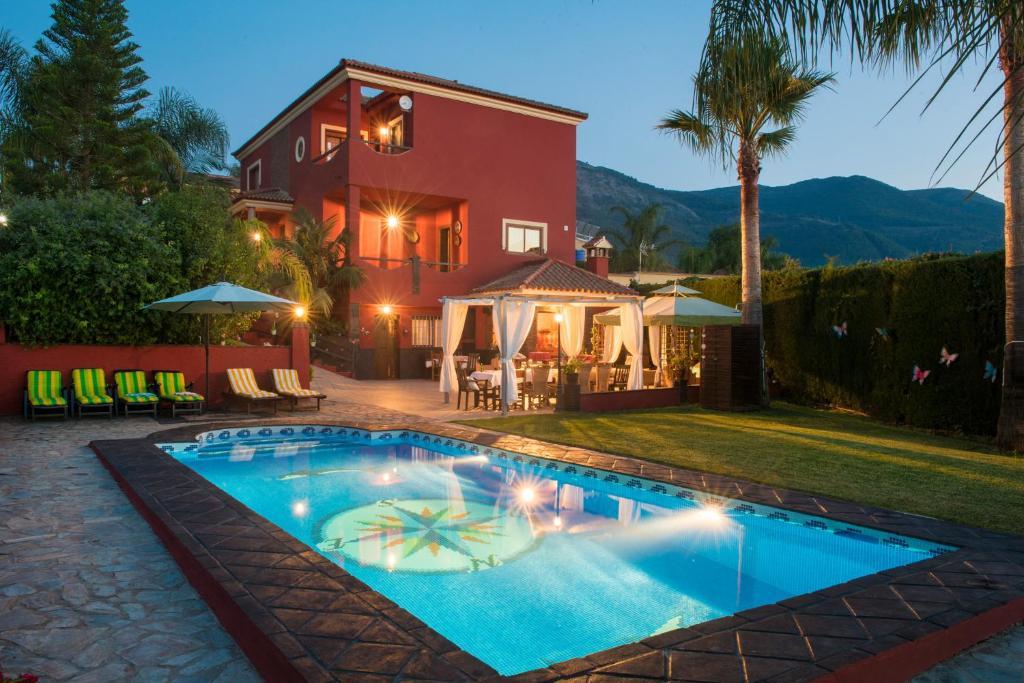 Casa de vacaciones casa invitados piscina privada jacuzzi bbq espa a alhaur n el grande - Hotel con piscina privada segovia ...