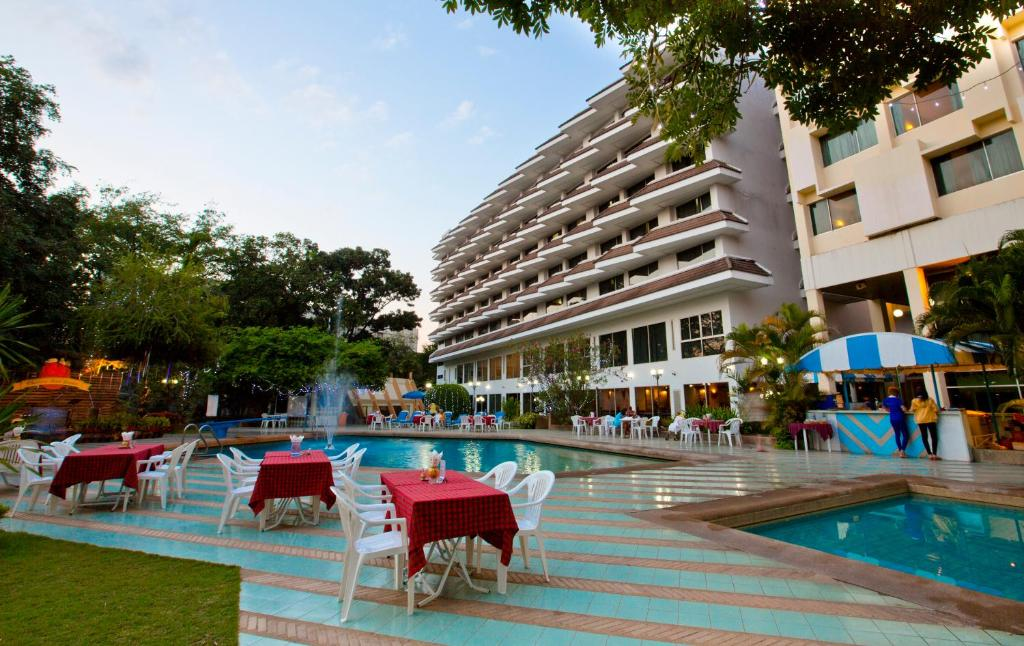 Charoen Hotel Udon Thani Book Your Hotel With Viamichelin