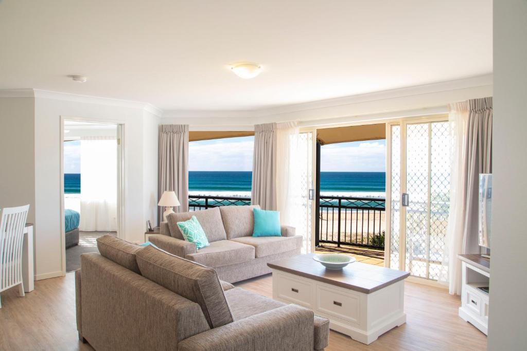 Una vista general del mar o el mar tomado desde el resort