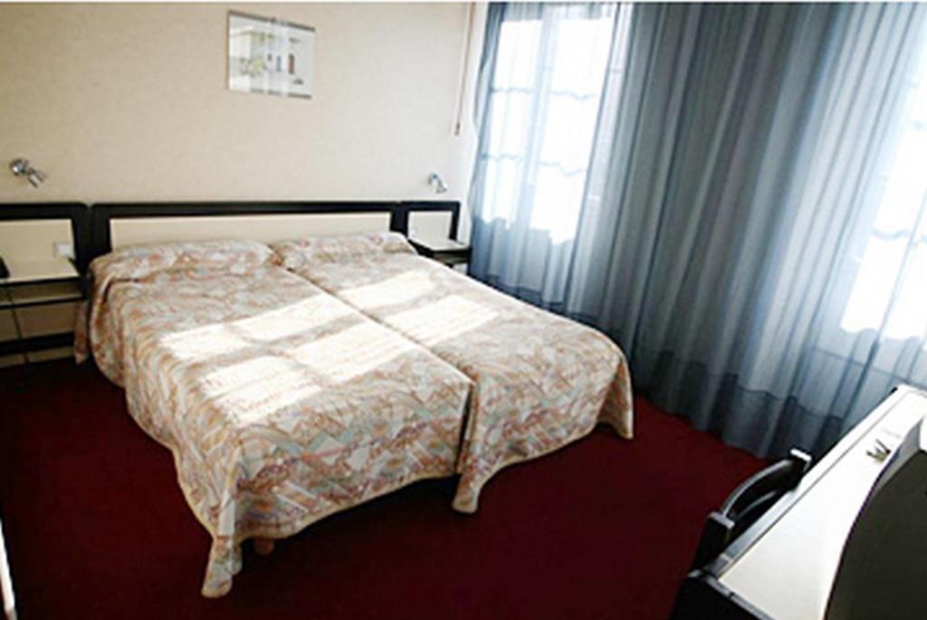 hotel des 3 marchands nantes informationen und buchungen online viamichelin. Black Bedroom Furniture Sets. Home Design Ideas