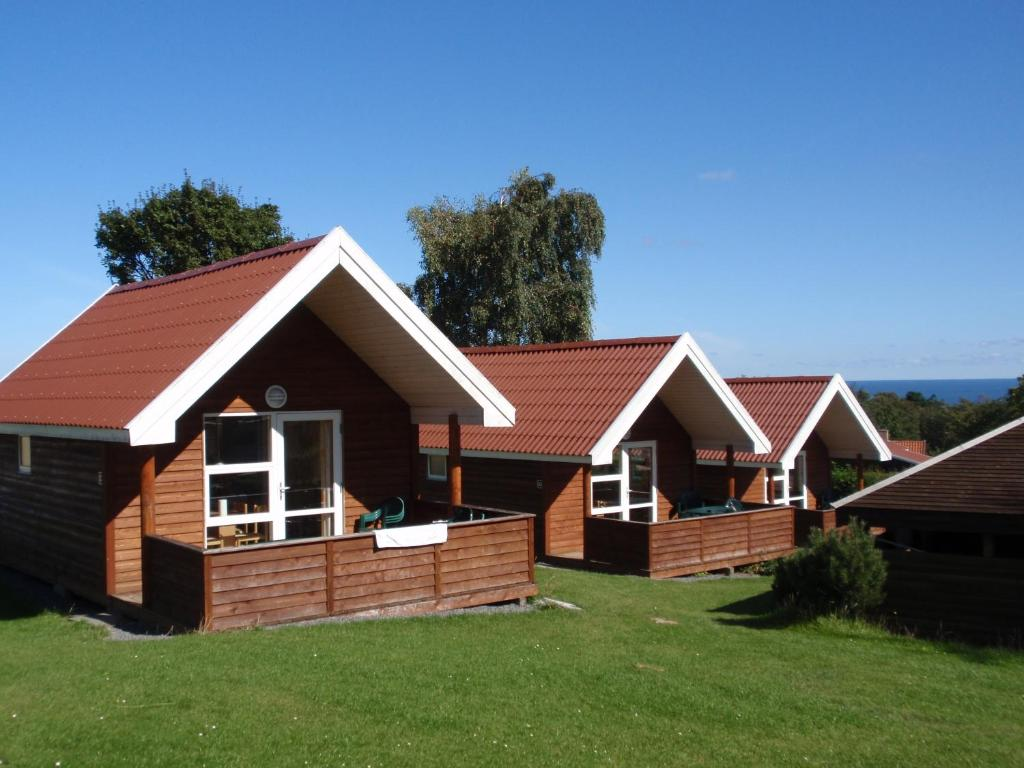 Sandkaas family camping cottages r nne online for Family cottages
