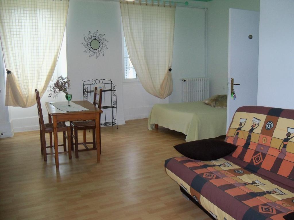 Chambres d 39 h tes l 39 annexe le ch teau d 39 ol ron reserva tu hotel - Hotel le chateau d oleron ...