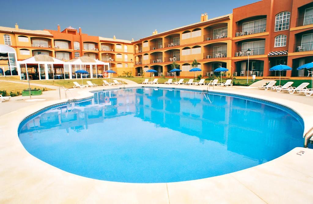 Apartamentos leo islamar apartamentos en islantilla andalucia spain - Apartamento en islantilla playa ...