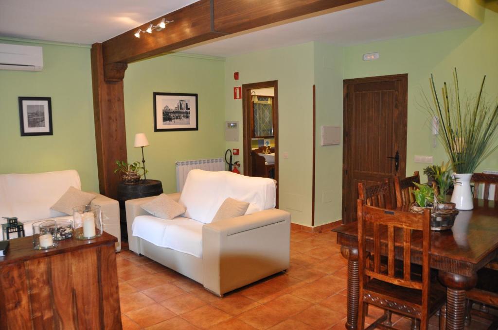 Casa Rural Abuelo Quiko (España Chinchón) - Booking.com