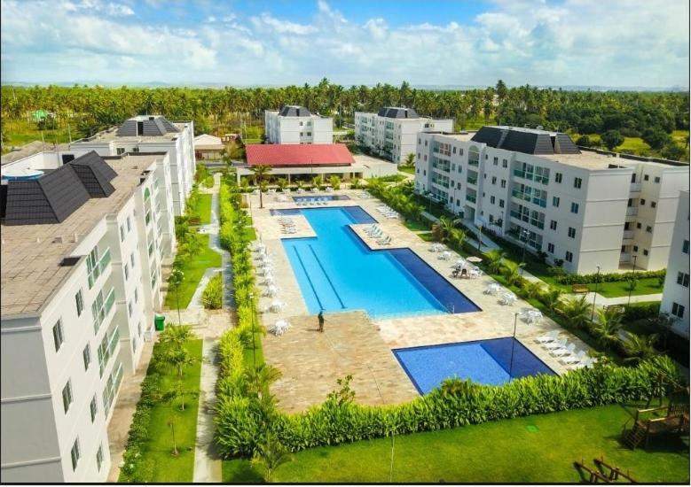 Uma vista da piscina em Palm Village Porto de Galinhas ou nos arredores