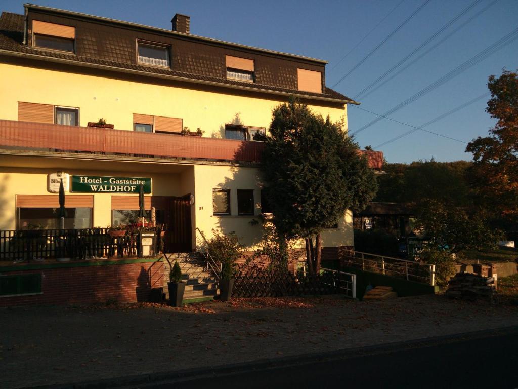 Aktuell 389 Single-Männer in Simmern/Hunsrück und Umgebung - Jetzt anmelden!